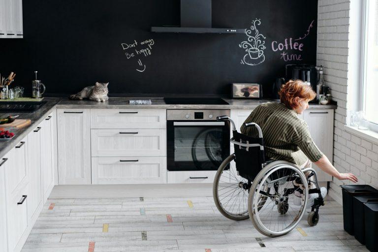 Η τέχνη της εκμετάλλευσης κάθε γωνίας στο χώρο της κουζίνας